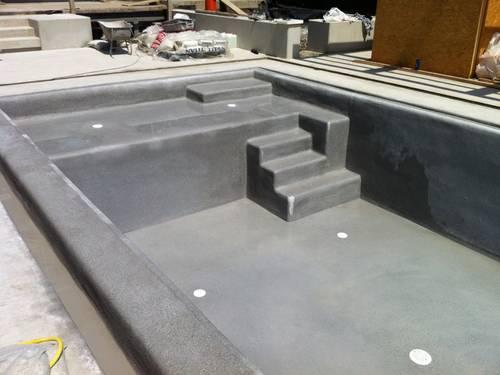 Pool inklusive Kunststeinbeschichtung